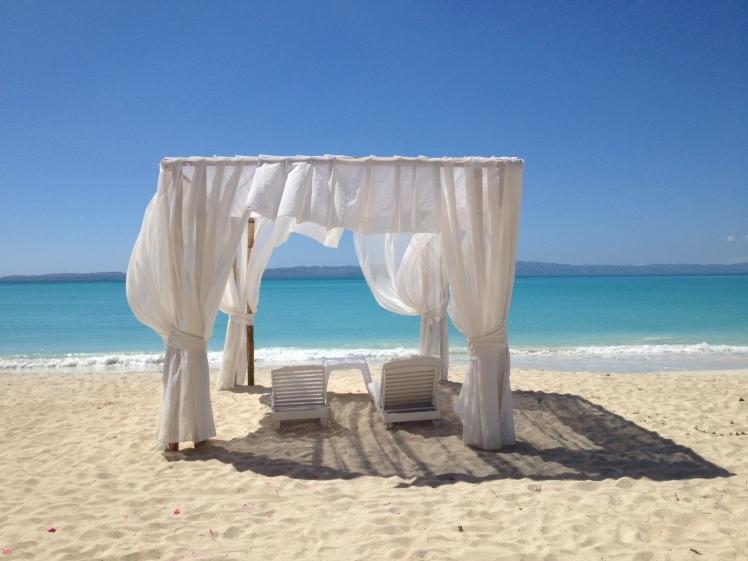 À l'Anse Dufour, sur la plage de l'hôtel Abaka Bay